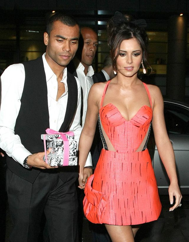 Cheryl Tweedy with Her Husband (7 pics)