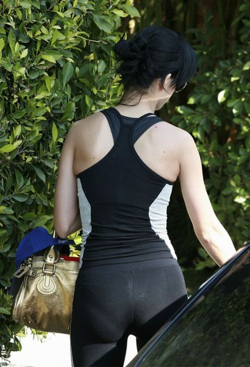 Katy Perry in a Sports Outfit, but Always Beautiful (9 pics)