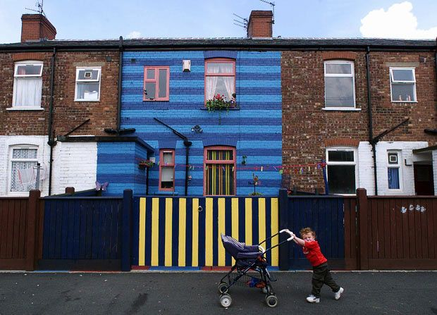 Oddly Painted Houses (22 pics)