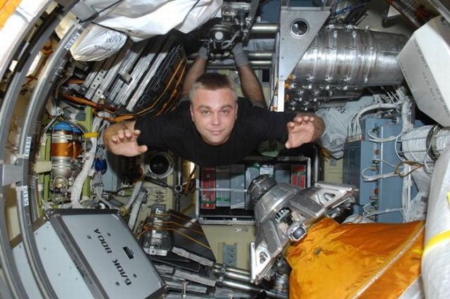 The First Space Blogger (22 pics)
