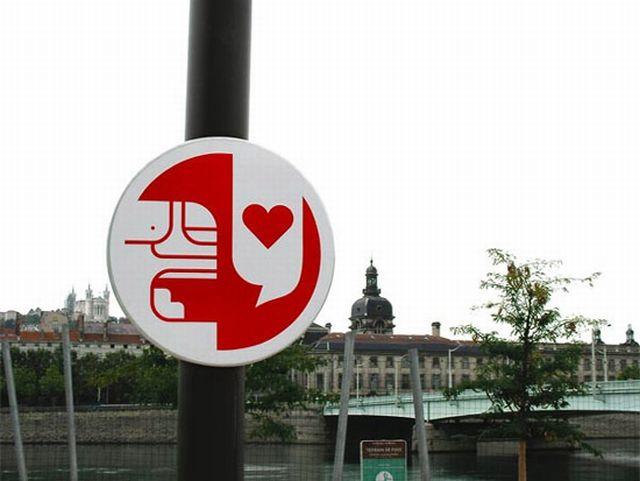 Funny Traffic Signs (24 pics)