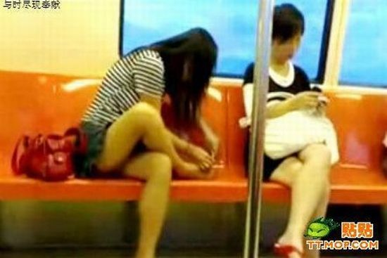 Subway Girl (7 pics)