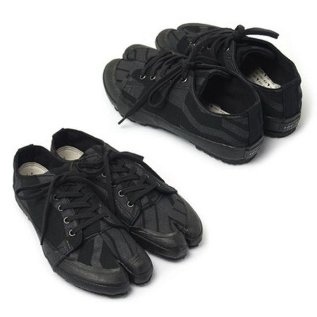 Weird Shoes (12 pics)