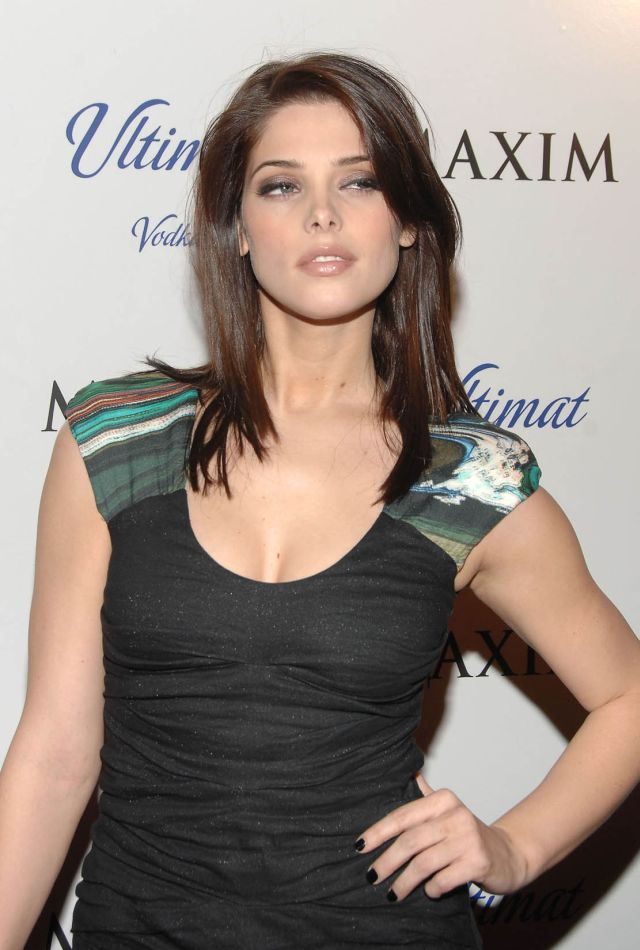 Ashley Greene (9 pics)
