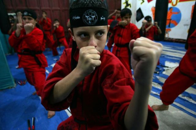 Young Palestinian Masters of Martial Arts (18 pics)