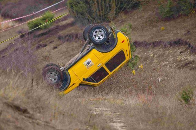 Rally Car Crash (6 pics)