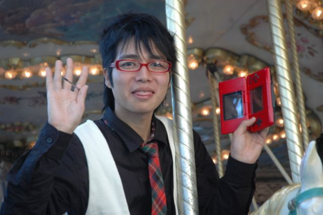 Japanese Gamer Marries Video Game Character!! (15 pics + 1 video)