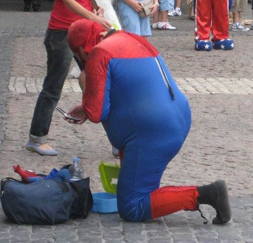 Worst Spiderman Costume Ever! (7 pics)