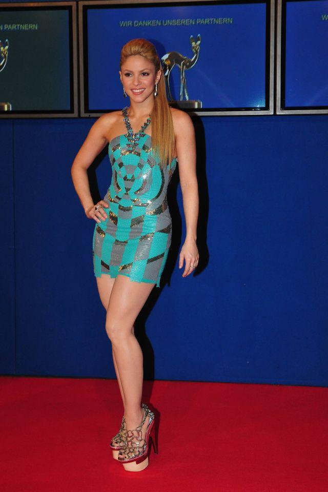 Sexy Shakira (12 pics)