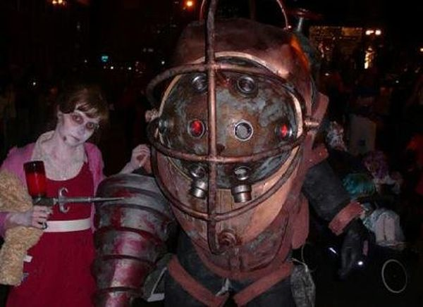The Coolest Video Games' Costumes (20 pics)