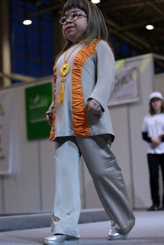 Russian Fashion Show for Disabled People (34 pics)