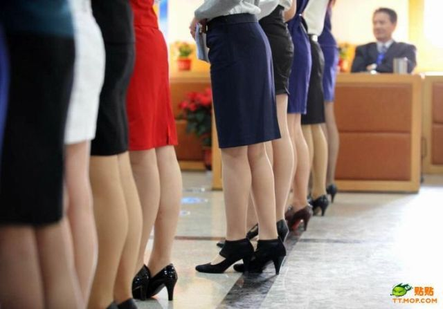 Casting for New Chinese Flight Attendants (12 pics)