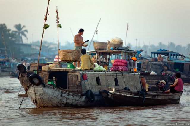 Floating Markets in Vietnam (11 pics)