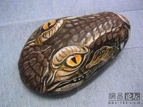 Painted Animals on Stones (17 pics)