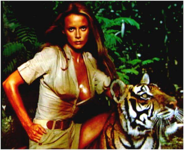 Girls That James Bond Had Sex With (25 pics) - Izismile.com