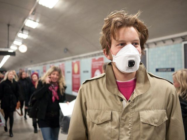 Mask to Catch a Flu (5 pics)