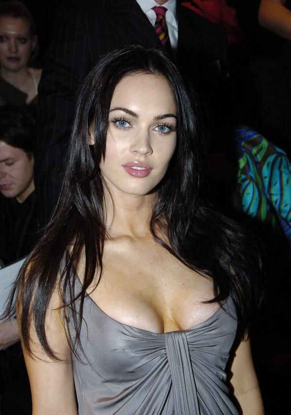 Megan Fox and Her Beautiful Cleavage (16 pics)