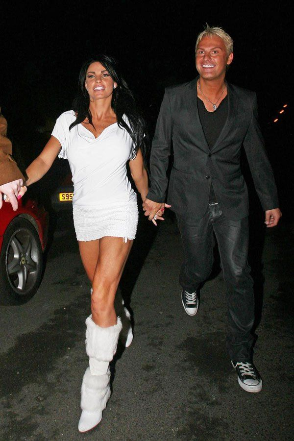 Katie Price, Can She Be More Drunk? (9 pics)