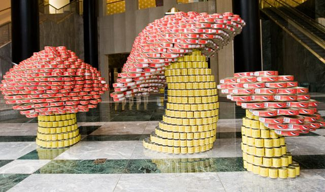 Awesome Can Sculptures (9 pics)
