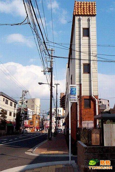Very Narrow Buildings (13 pics)