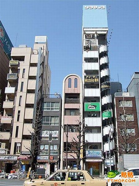 Very Narrow Buildings (13 pics)