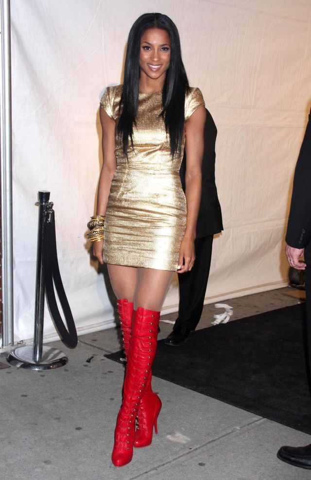 No Matter What She Wears, Ciara's Always Hot (12 pics)