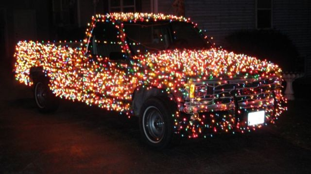 The Christmas Truck (11 pics)