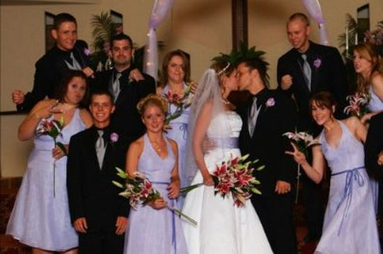 How to Spoil Your Wedding Pics (3 pics)