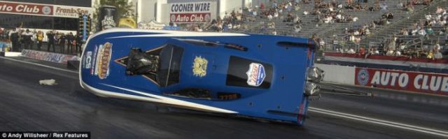 Impressive Close Shots of a Dragster Accident (8 pics)