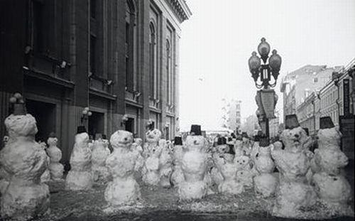 Snowmen Are Everywhere! (34 pics)