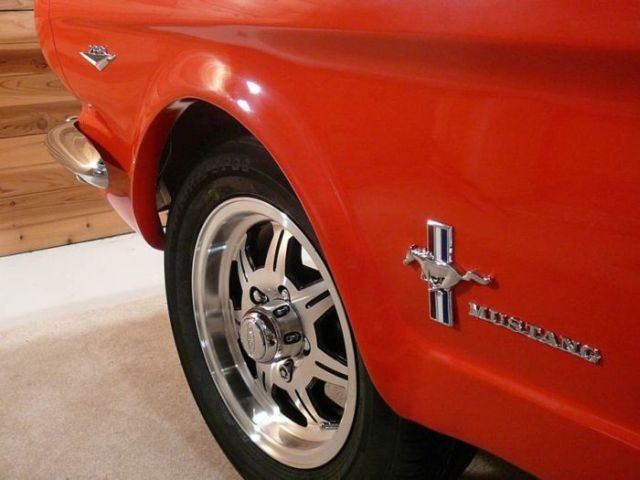 Classic 1965 Ford Mustang Replica Pool Table (5 pics)