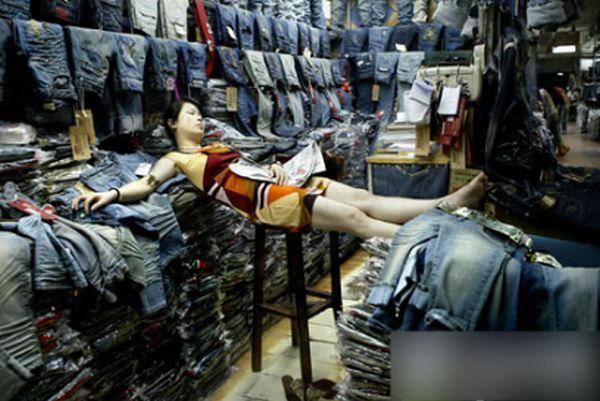 Hard Work of Market Sellers (10 pics)