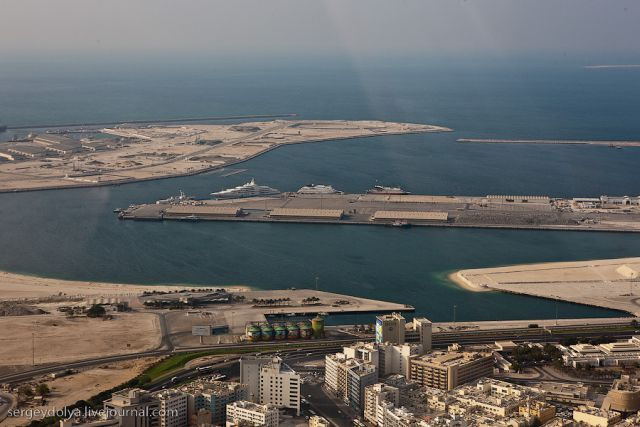 Helicopter Trip Over Dubai (22 pics)