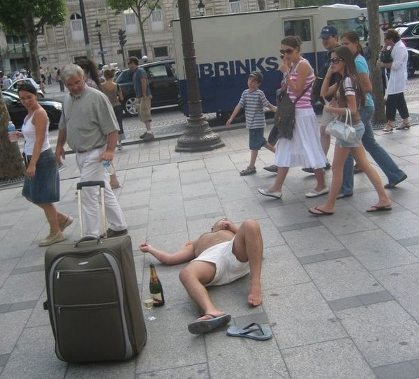 41 Signs You drank Too Much (43 pics)