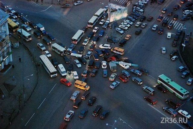 How Traffic Jams Start (6 pics)