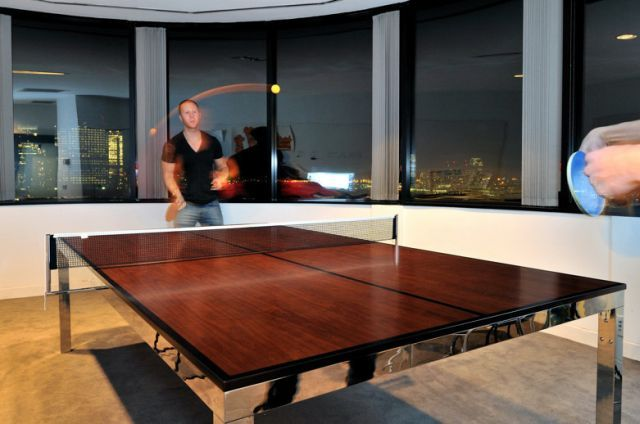 A Great Desk for any Office (10 pics)