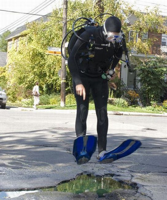 Potholes as You Have Never Imagined Them Before (16 pics)