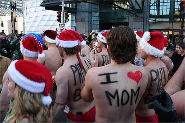 Boston Santa Run in Speedos (19 pics)