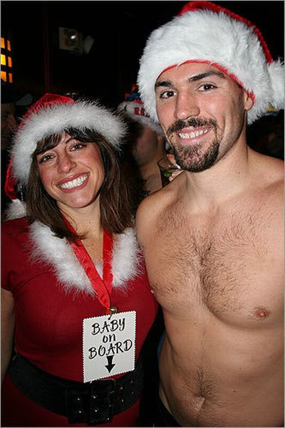 Boston Santa Run in Speedos (19 pics)