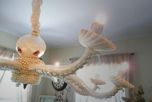 Spooky Creature for Your Ceiling (3 pics)