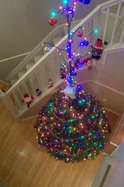 Floating Christmas Tree (9 pics)