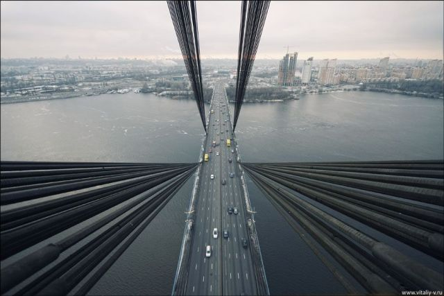 Cable-Stayed Bridge in Kiev (19 pics)