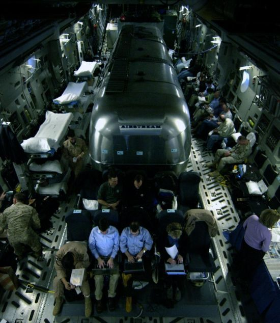 Flying in the C-17 Swank Flying Residence (23 pics)