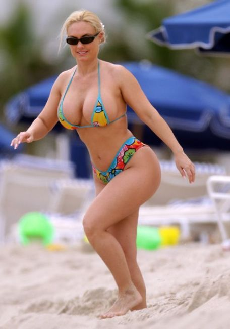 Coco in Bikini at the Beach (7 pics)