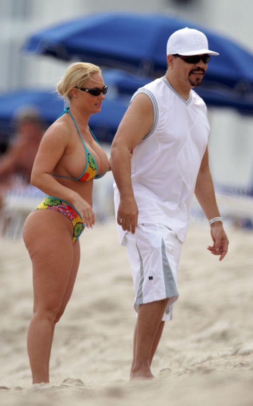 Coco in Bikini at the Beach (7 pics)