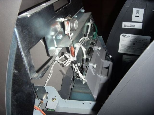 Russian Robbed ATM Machine (7 pics)