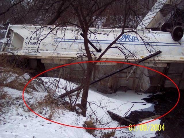 Train Derailment (16 pics)