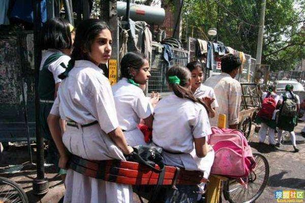School 'Buses' in India (30 pics)