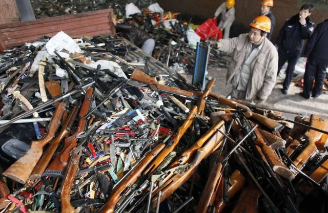 The Destruction of Weapons (6 pics)