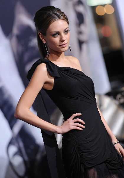 Charming and Cute Mila Kunis (8 pics)